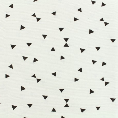 Poly cotton fabric black Triangle - white  x 10cm