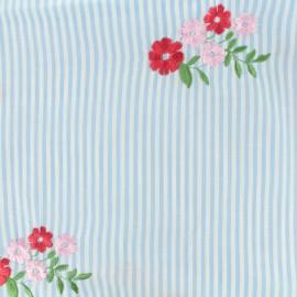 Tissu voile de coton brodé Fleur - bleu ciel x 25cm