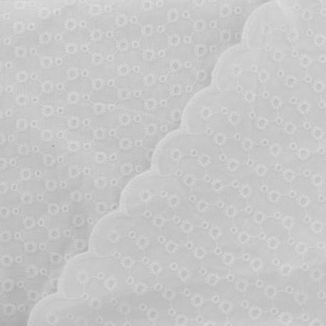 Tissu coton brodé festonné Lena - blanc x 10 cm