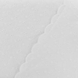 Emilia Embroidered scalloped cotton fabric - white x 10 cm