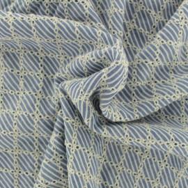 Tissu viscose brodé losange - bleu ciel x 10cm