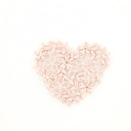Ancient pink embroidered heart iron-on patch