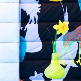 Tissu matelassé nylon doudoune Girafe - noir x 40cm
