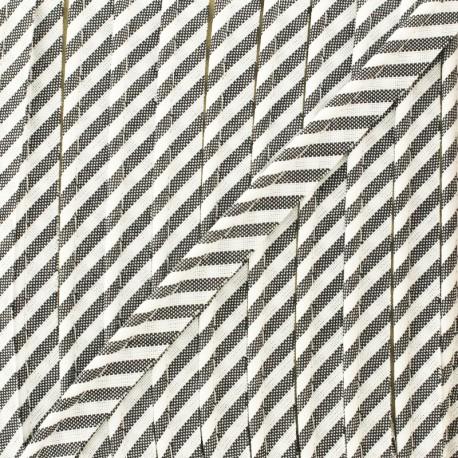 Large stripe piping - fuchsia x 1m