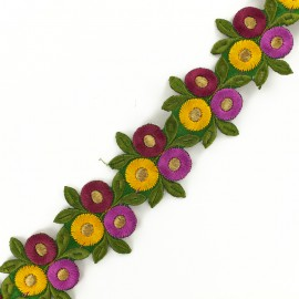 55 mm Round flower B iron-on Indian guipure x 50cm