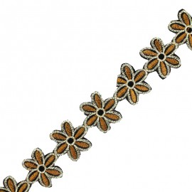 35 mm Basic Daisy iron-on India trim - caramel x 50cm
