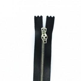 Metal closed bottom zipper - black satin Skull zipper pull