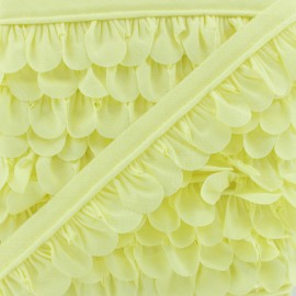 Petal Piping - Light Yellow x 1m