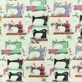 Cotton fabric - Green Exotic wildlife x 10cm