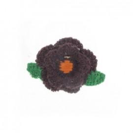 Fleur crochetée aubergine