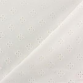 Tissu Voile de coton broderie anglaise Noélia - blanc cassé x 10cm