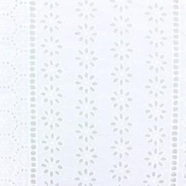 Tissu Voile de coton broderie anglaise Coachella - blanc x 10cm
