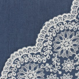 Tissu coton chambray brodé festonné Justille - bleu x 10 cm