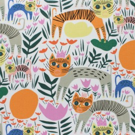 Cloud 9 cotton fabric - white Queen of Beasts x 10 cm