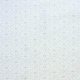 Tissu Voile de coton broderie anglaise Meghan - blanc cassé x 10cm