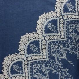 Tissu coton denim brodé festonné Bastille - bleu x 10 cm