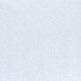 Tissu Voile de coton broderie anglaise Marylebone - blanc x 10cm