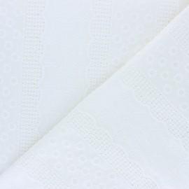Tissu Voile de coton broderie anglaise Marylebone - blanc cassé x 10cm