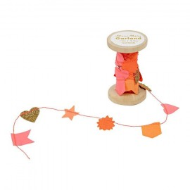 Meri Meri Garland on Wooden Spool - Pink