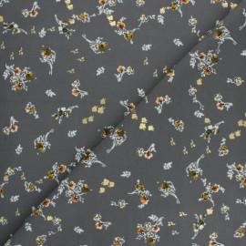 Tissu polyester satiné Pearl Peach Bouquet by Penelope® - Gris x 10cm