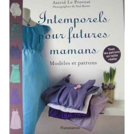 """Intemporels pour futures mamans"" book"
