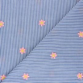 Tissu voile de coton rayé brodé Little fleurette - bleu  x 10cm