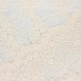 Tissu tulle brodé festonné Éléonore - écru x 10cm