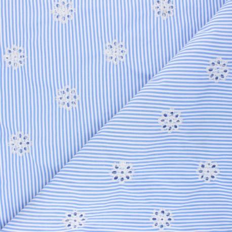 Tissu polycoton brodé ajouré Marguerite - bleu ciel x 10cm