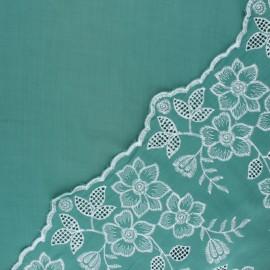 Tissu viscose brodé festonné Scilla - vert x 10 cm