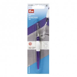 Ergonomic fine mending needle - Prym