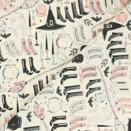 Tissu coton AGF Spooky 'n Sweet - Witch's Wardrobe x 10cm