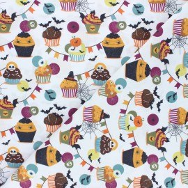 Cretonne Cotton fabric - white Halloween cupcakes x 10cm
