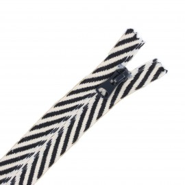 20 cm Closed Bottom invisible Zipper - black Classy Zebra