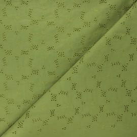 Tissu voile de coton broderie anglaise Juline - vert mousse x 10cm