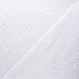 Openwork cotton voile fabric - white Castlefield x 10cm