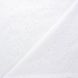Openwork cotton voile fabric - white Heaton x 10cm