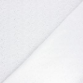 Tissu voile de coton broderie anglaise Clayton - écru x 10cm