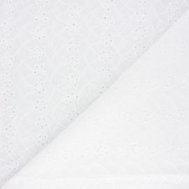 Tissu voile de coton broderie anglaise Woodley - écru x 10cm