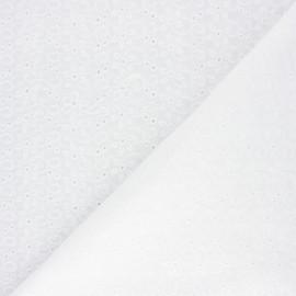 Tissu voile de coton broderie anglaise Whalley - écru x 10cm