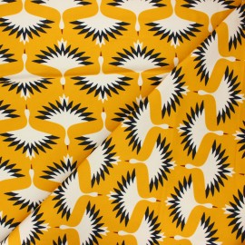 Tissu velours milleraies Cloud9 A walk remembered - Swooping cranes - jaune moutarde x 10cm