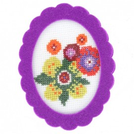 Oval-shaped felt frame - lilac