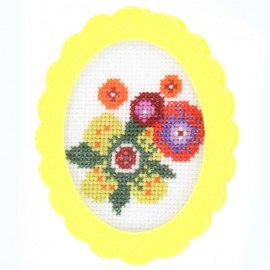 Oval-shaped felt frame - yellow