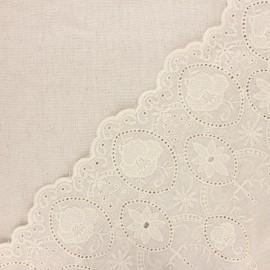 Tissu lin viscose brodé festonné Yvonne - naturel x 10 cm