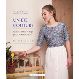 """Livre """"Un été couture"""""""