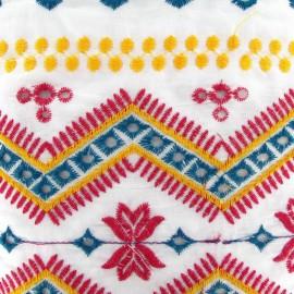 Tissu coton brodé Tzigane blanc x 10cm