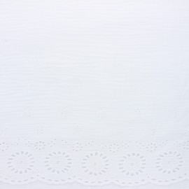 Scalloped embroidered double gauze fabric - white x 10cm