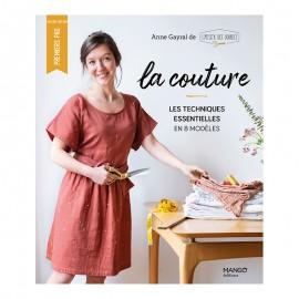 """Livre """"La couture - Les techniques essentielles en 8 modèles"""""""