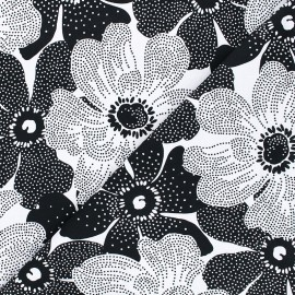 Timeless Treasures cotton fabric - black/white Dotted flowers x 10cm