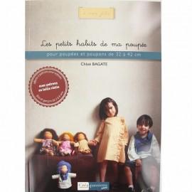 """Livre """"Les petits habits de ma poupée"""""""