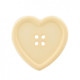 Heart-shaped button - cream